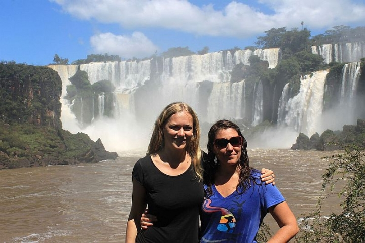 dani-and-jess-at-iguazu-falls