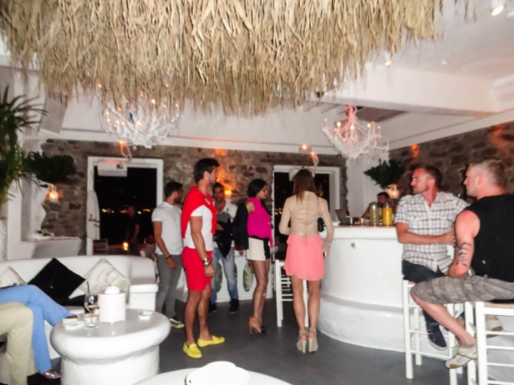 mykonos-jackie-o-bar-inside