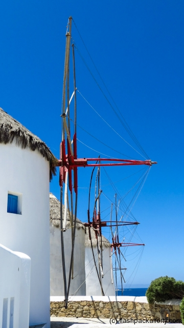 mykonos-windmills-side-on