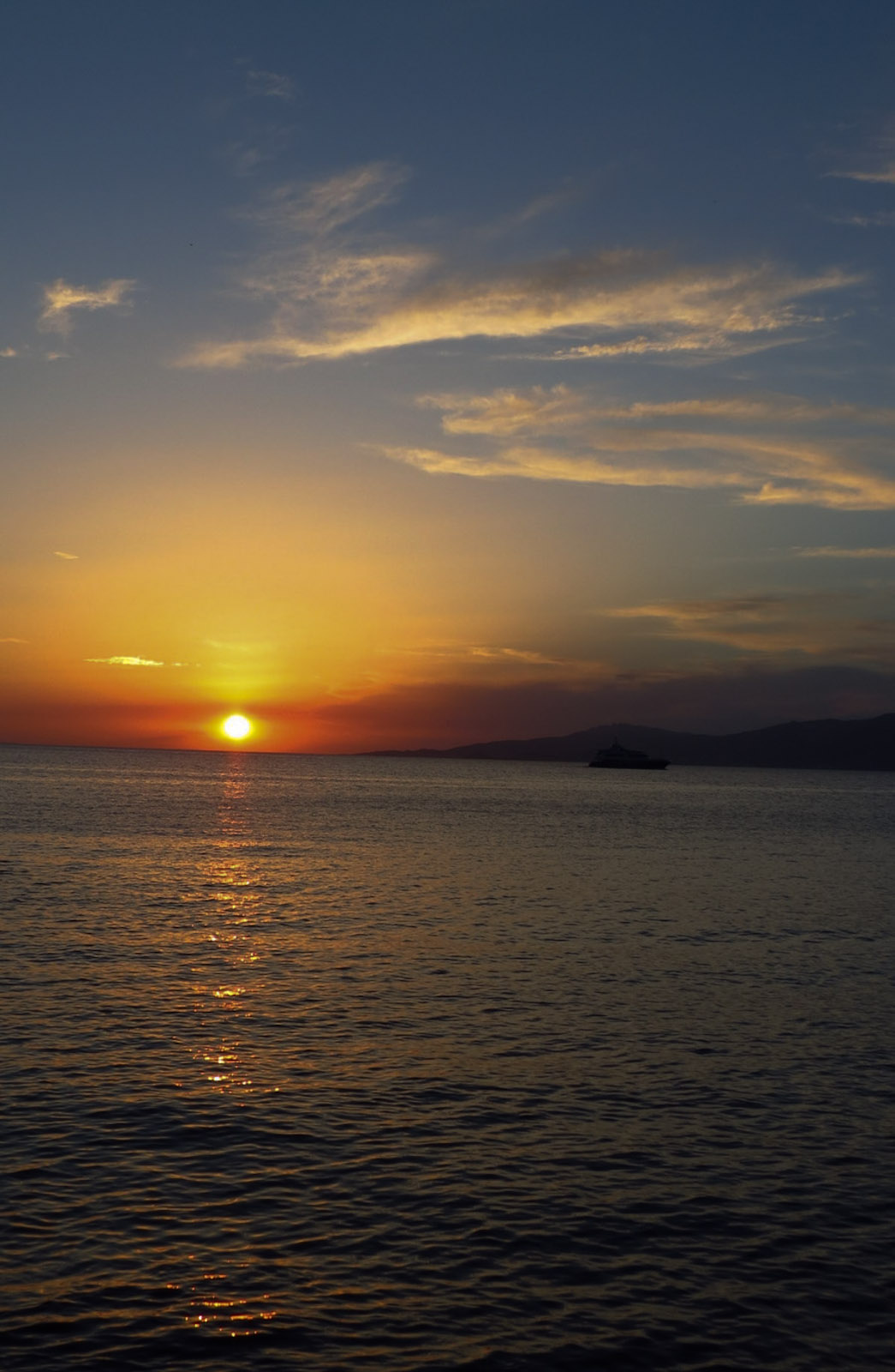 mykonos-sunset-and-clouds