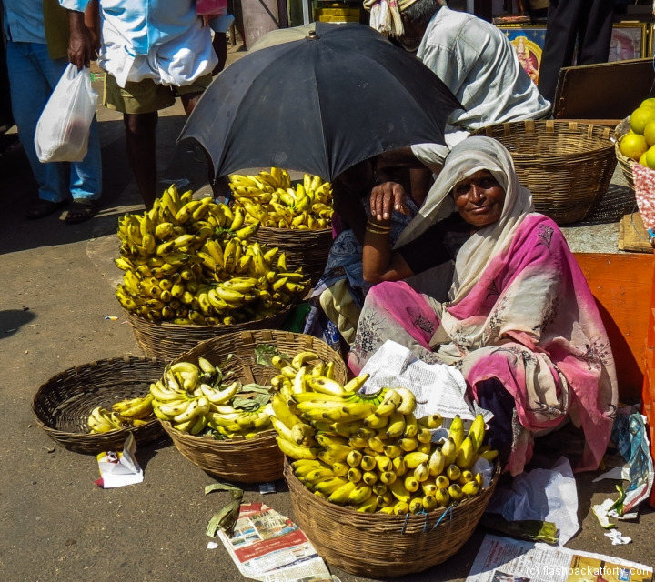 banana-woman-seeks-shande-mysore-india