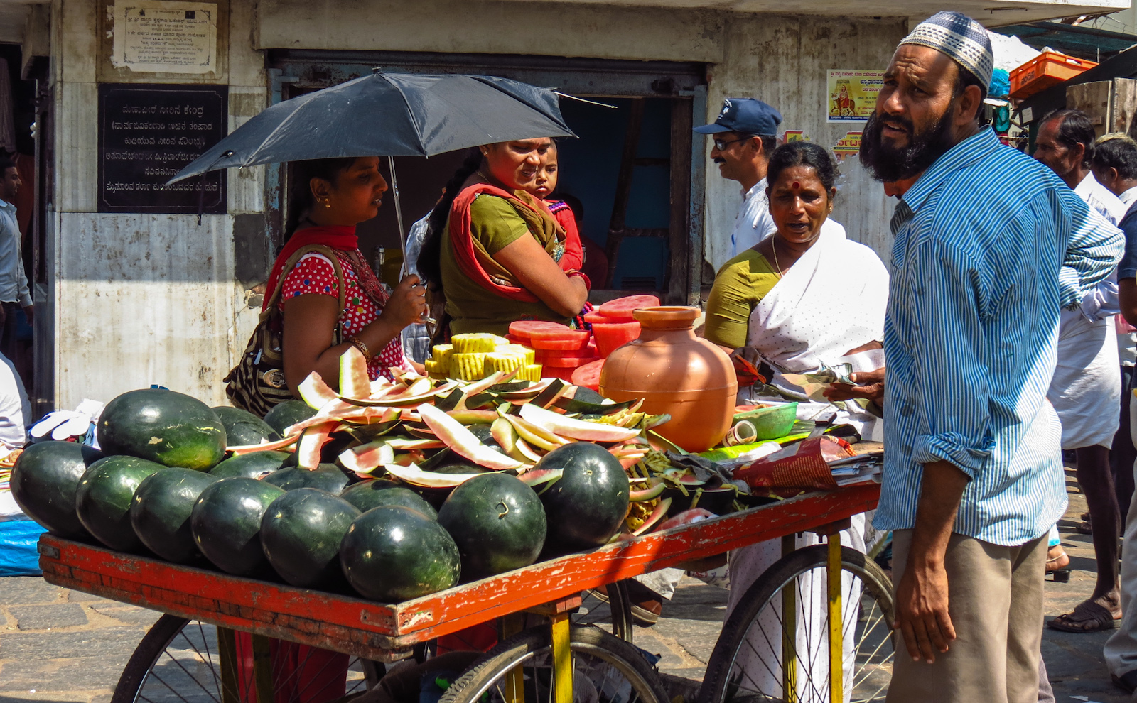 melons-for-sale-mysore-india