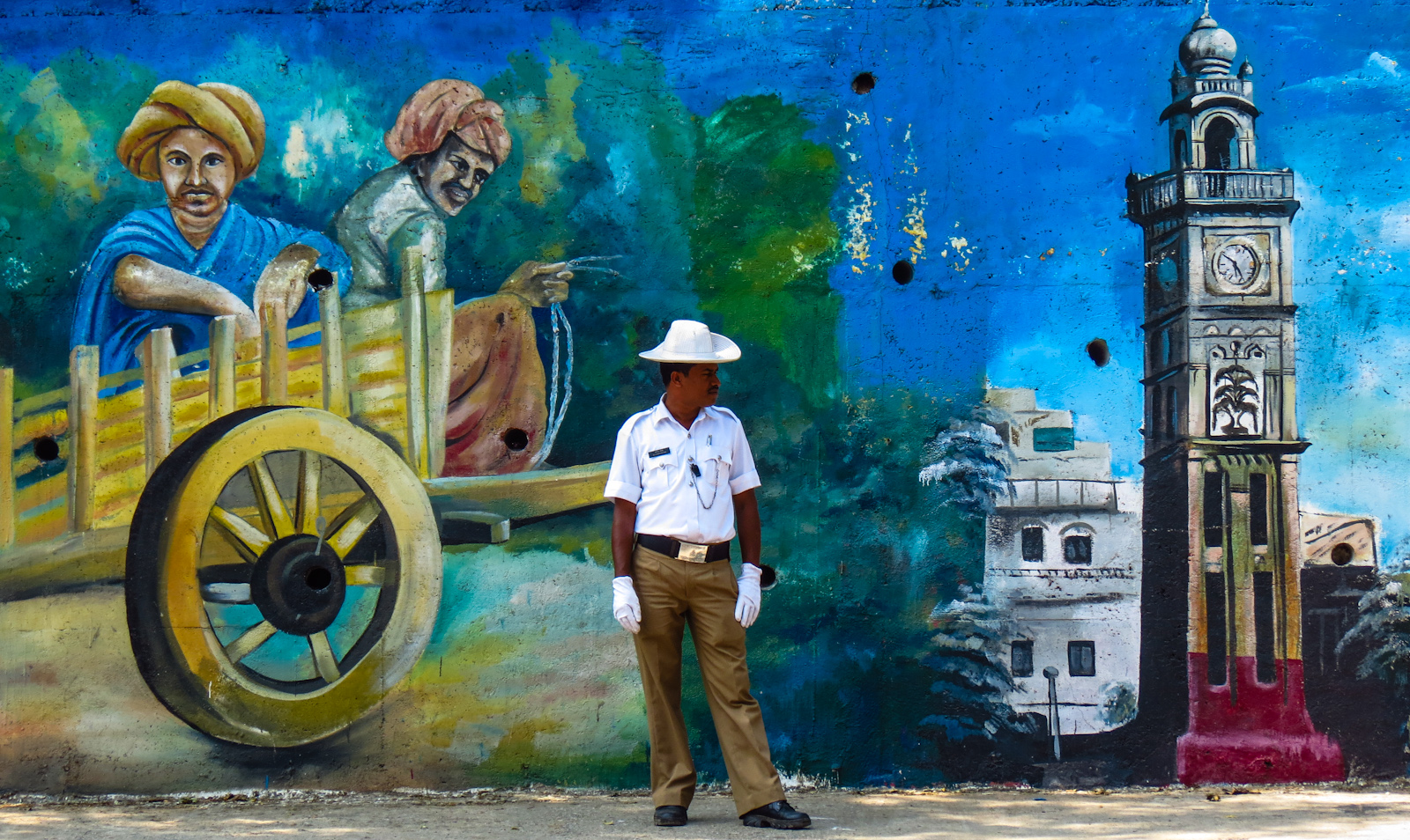 mural-and-poiceman-mysore