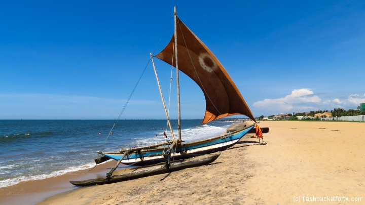 traditional-fishing-boat-negombo-beach