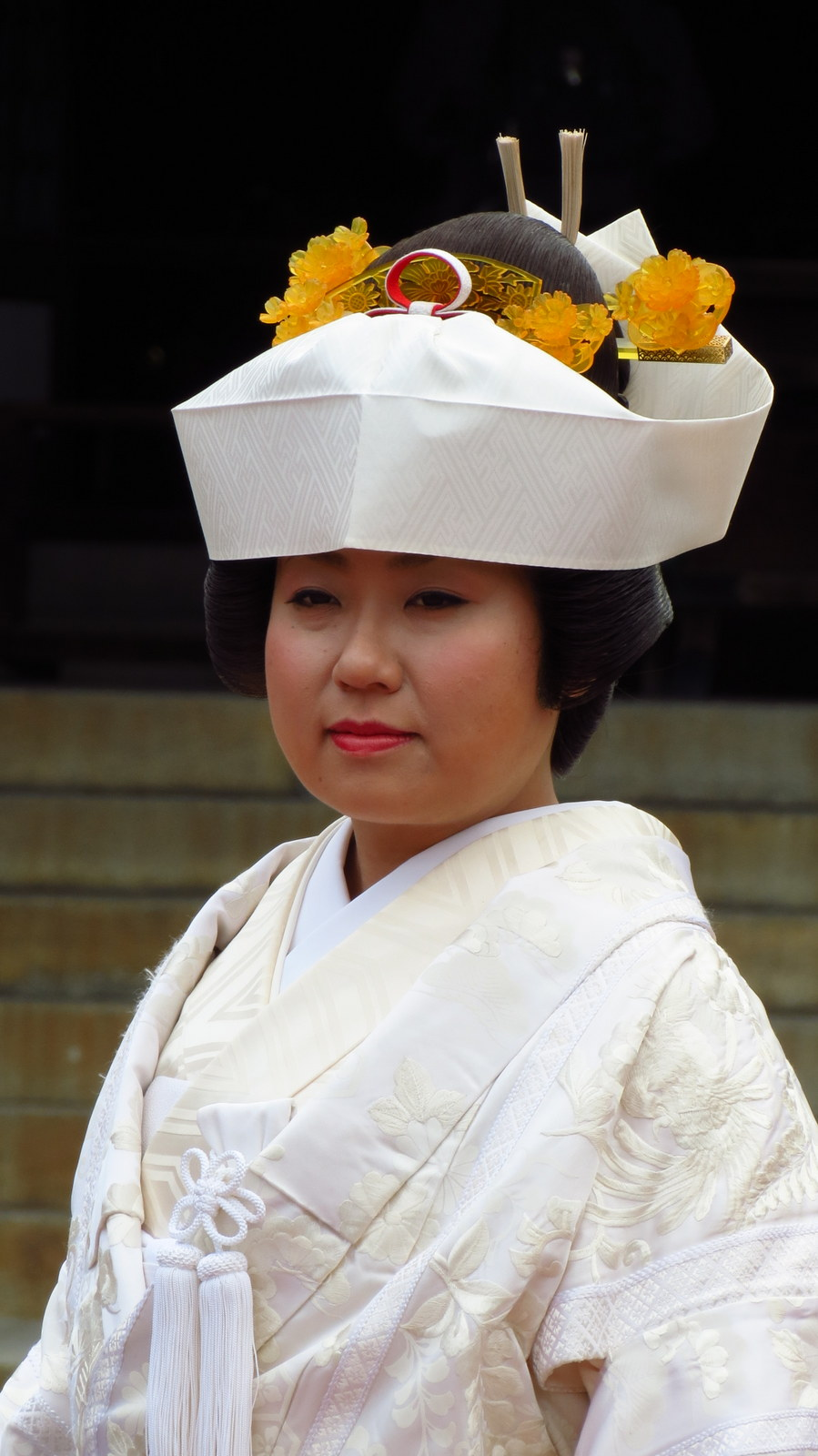 Japanese bride traditional dress