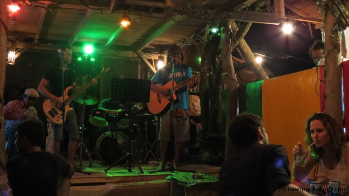live-band-monkey-bar-perhentian-malaysia