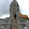 stairs-phnom-penh-palace-building