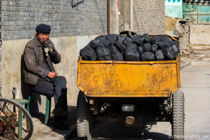 coal-seller-pingyao-china