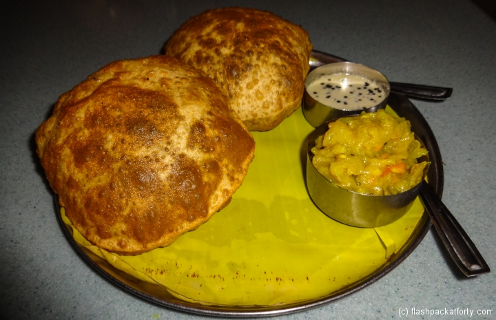 south-indian-aloo-and-bread
