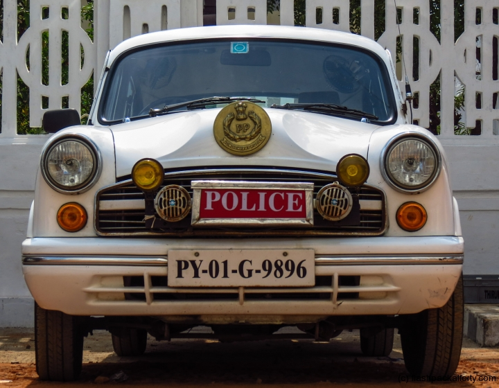 pondicherry-ambassador-police-car