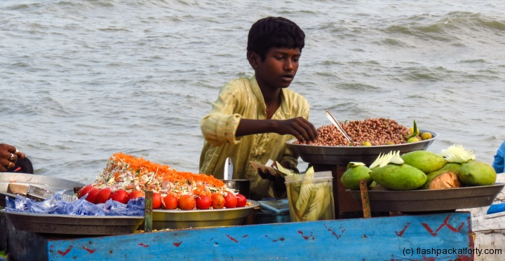pondicherry-beach-seller