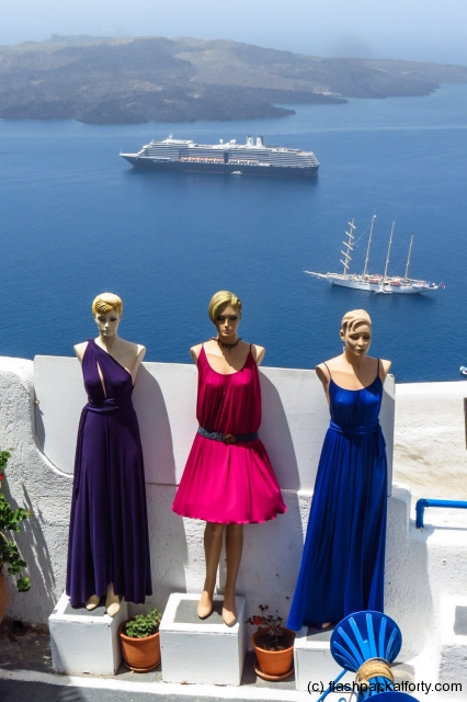fira-manekins-and-cruise-ships