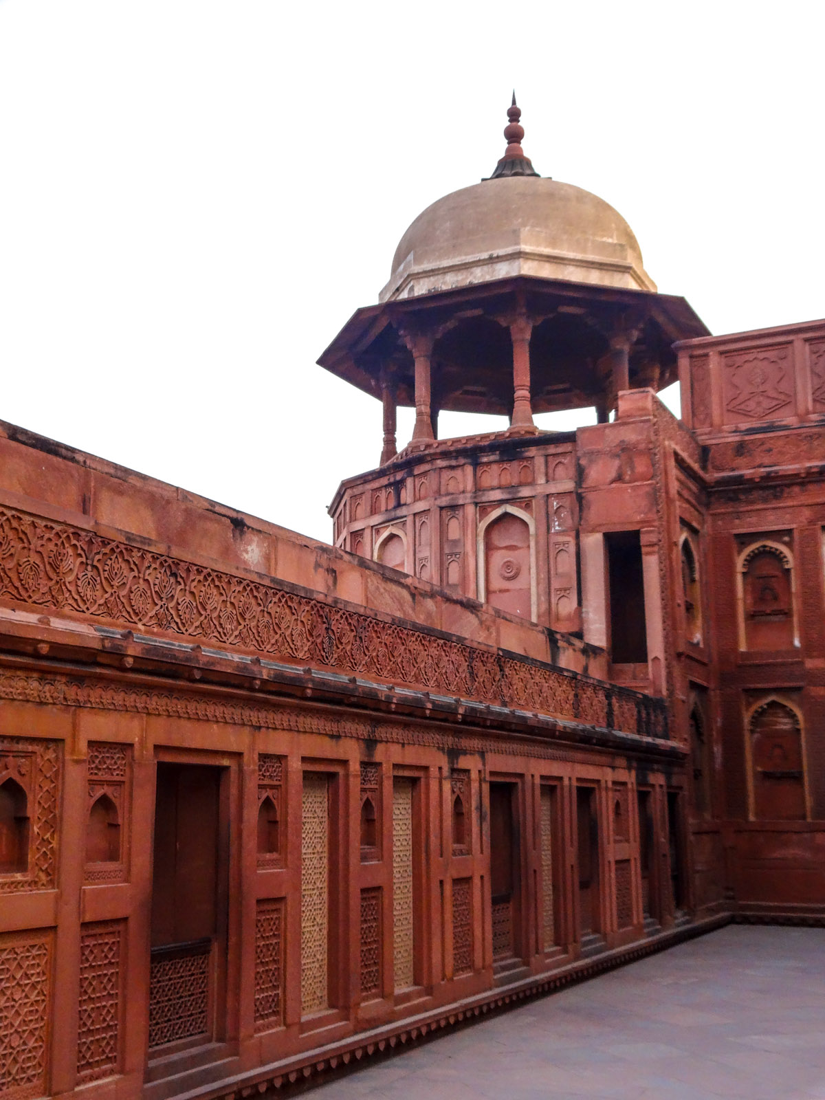 agra-for-dome-and-red-stone-work