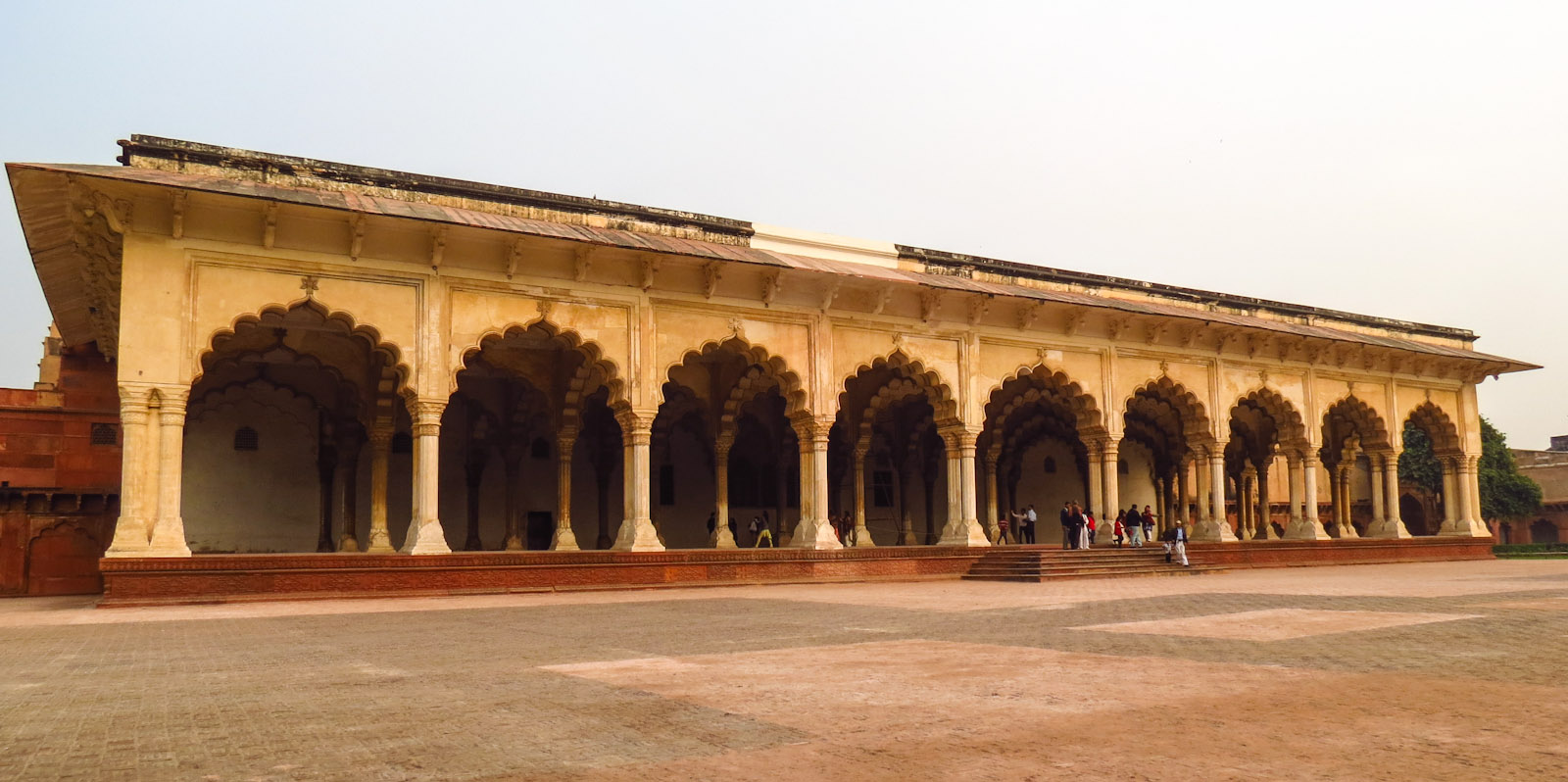 agra-fort-arched-wall