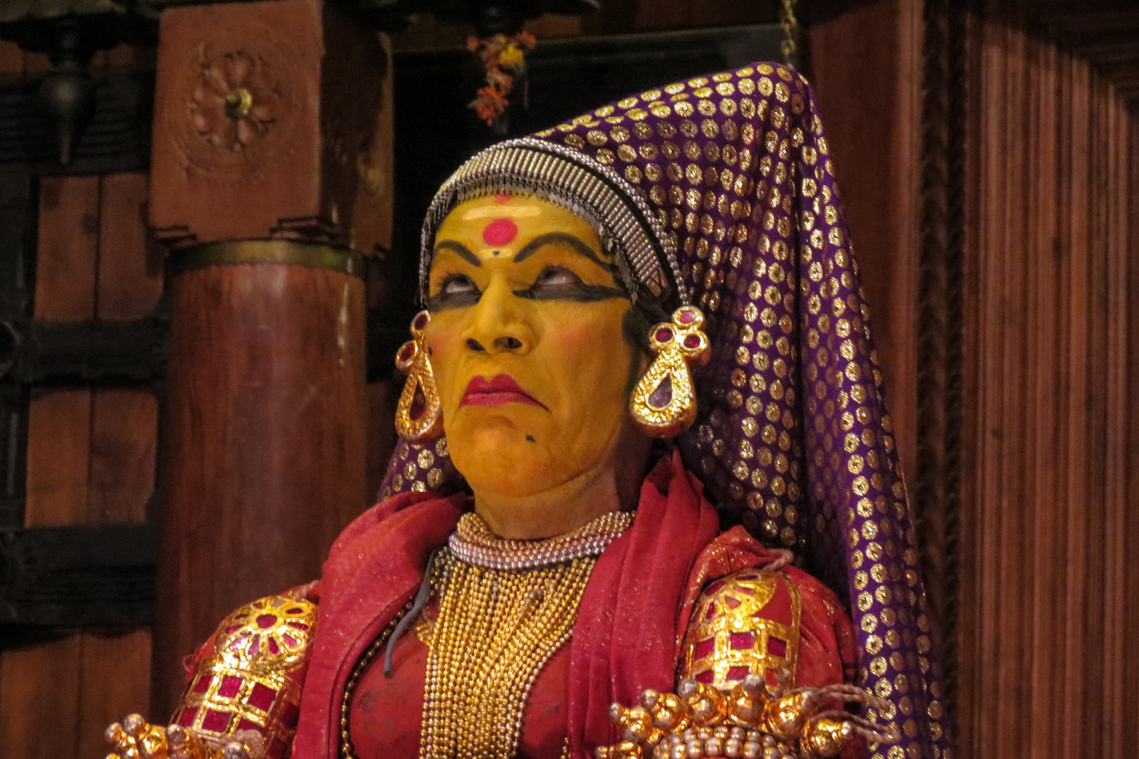facial-expressions-traditional-indian-theatre-kochi