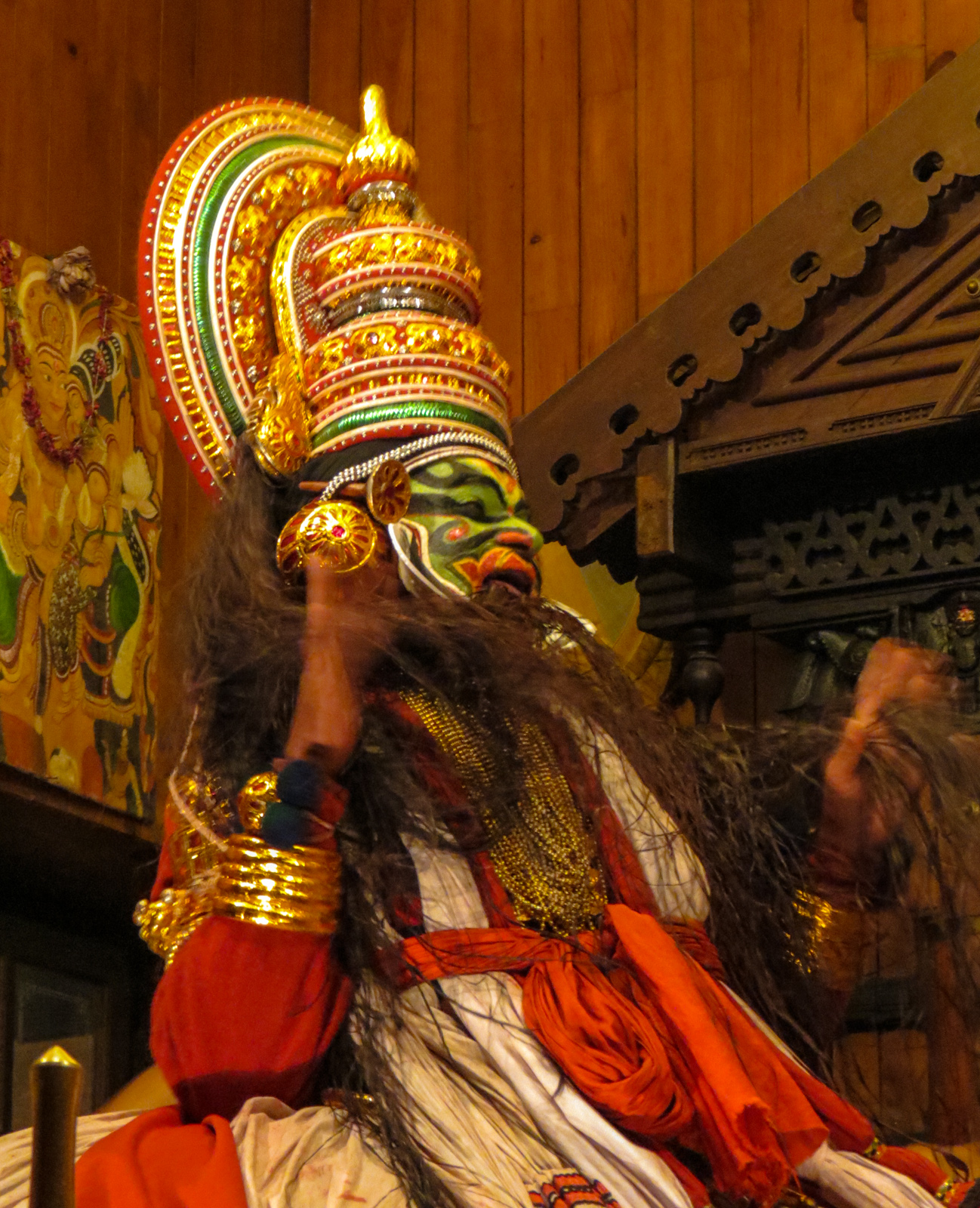 hair-in-mouth-traditional-kerlan-theatre