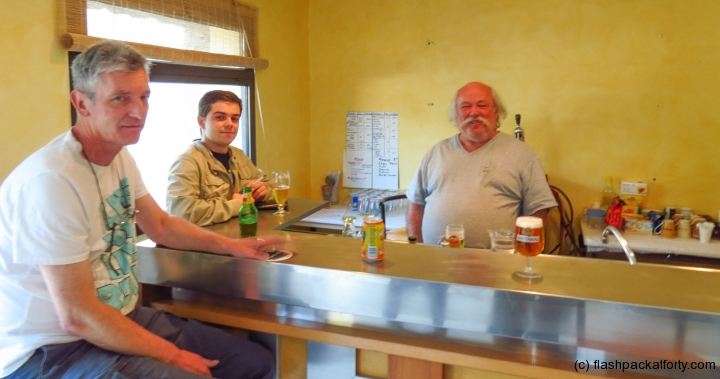 trilla-barman-and-locals