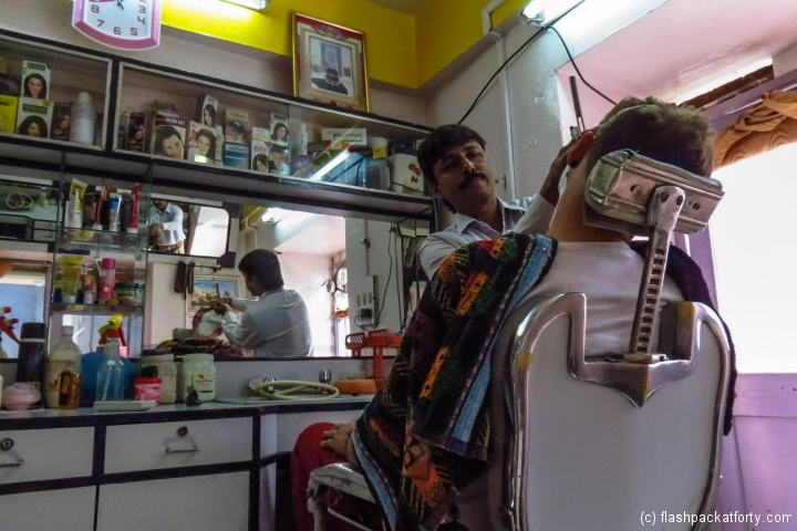 traditional-cut-throat-shave-india