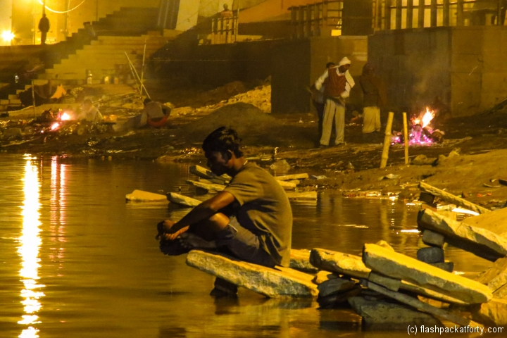 burning-ghat-at-night-varanasi
