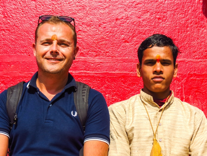 flashpacker-and-holy-man-varanasi-india
