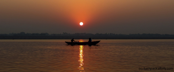 varanasi-sunrise-with-boat