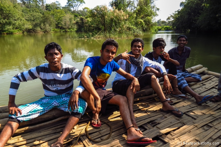 indian-teenagers-posing-wayanad-kuruwa-dweep