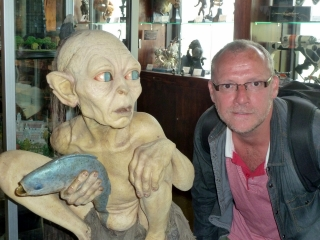 craig-and-gollum-weta-cave