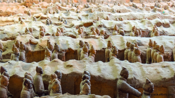 terracotta-warriors-in-trenches-xian