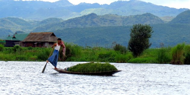 Myanmar Travel: Inle Lake Reflections